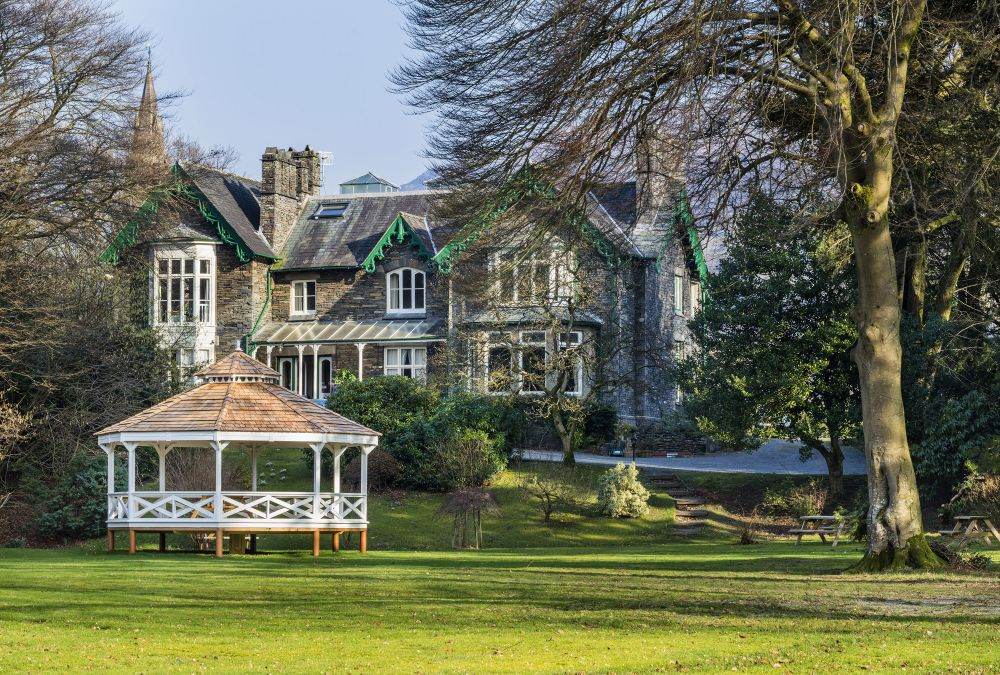 Ambleside Manor Exterior